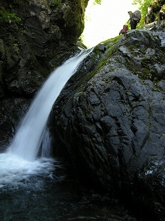 ゴルジュ出口6m滝
