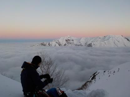 雲海を見下ろす