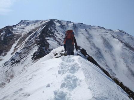 コイカクの最後の登りは標高差300mの岩稜